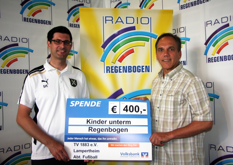 Spendenübergabe_Kinder unterm Regenbogen_Homepage